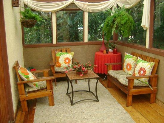 Hotel Jardines de Monteverde : area de lectura