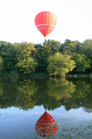 Art Montgolfieres : Survol au dessus du Cher