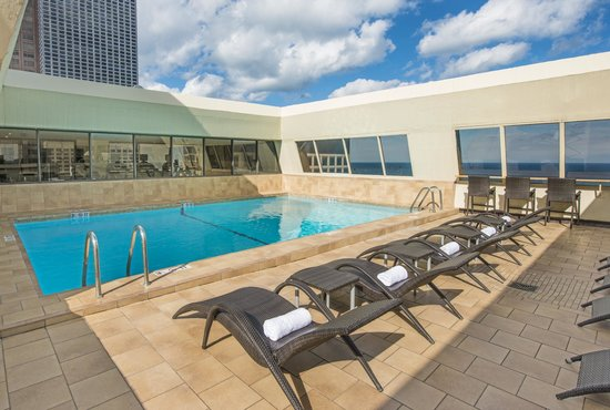 Hampton inn chicago downtown magnificent mile updated for All hotels downtown chicago