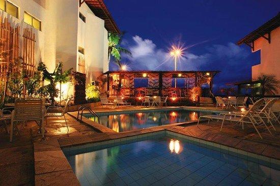 Hotel Costeiro: Área de piscina
