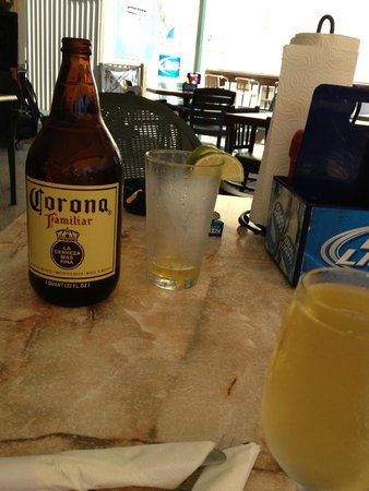 Waterside Grill: Corona and a half