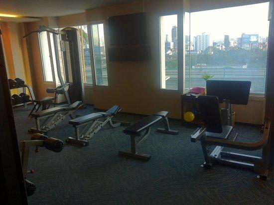 gym picture of eastin hotel makkasan bangkok tripadvisor rh tripadvisor com