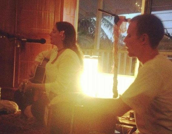 Bhakti Yoga Shack: beautiful kirtan music