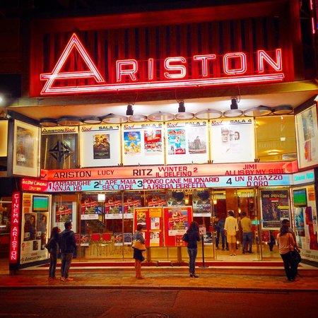 Esterno di sera - Foto di Teatro Ariston, Sanremo - Tripadvisor