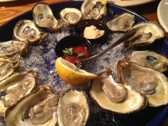 Jimmy's Oyster Bar & Seafood: raw oysters - very fresh