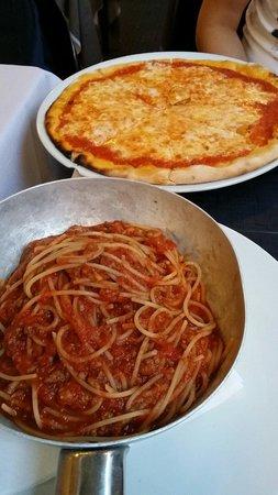 La Caffetteria Tudini : Spaghetti Bolognese & Margherita pizza