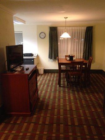 Living Area Picture Of Best Western Garden Villa Inn