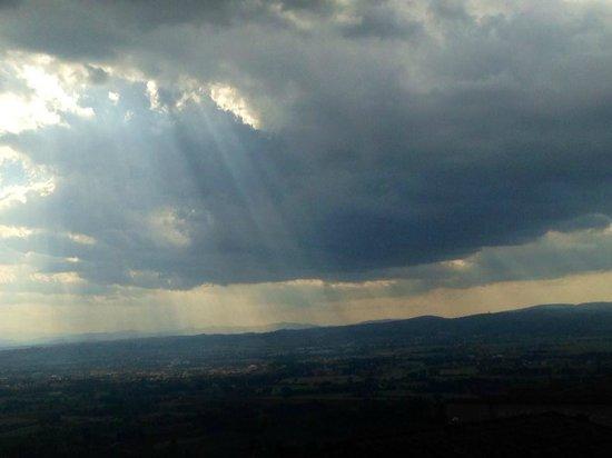 Hotel San Francesco: Mountains of Assisi