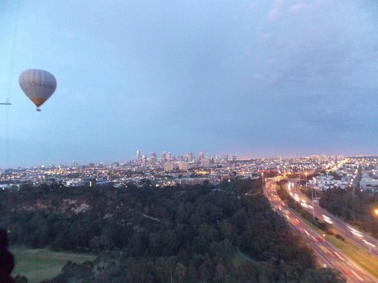 Global Ballooning - Melbourne and Yarra Valley : At the beginning of the flight