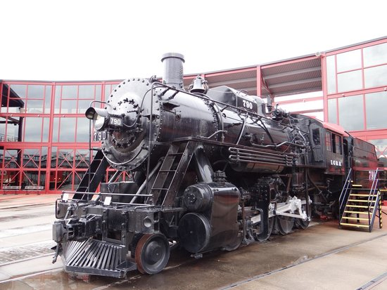 Steamtown National Historic Site: Steam Engine in the Main Entrance