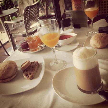 Boutique Hotel Holos: Desayuno