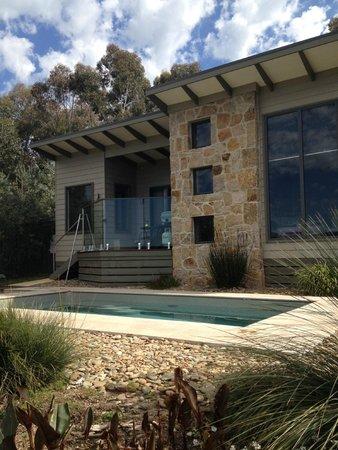 StoneTryst Villas: Pool and villa