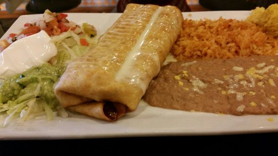 Lacazona Mexican Restaurant: Vegetarian Chimichanga