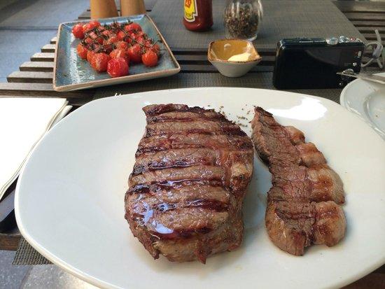 Estancia Steaks : Entrecot e tira de picanha com tomates ao forno