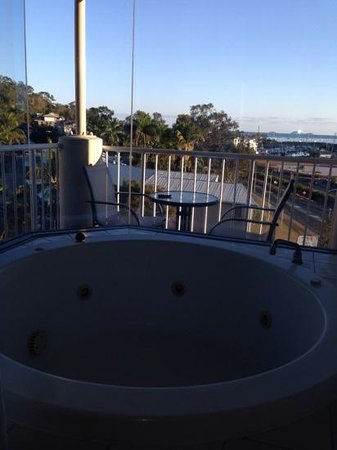 at Whitsunday Vista Resort: Our view from the spa bath!