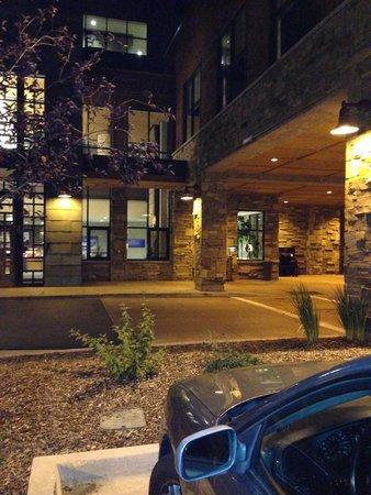 Newpark Resort & Hotel: Entry way