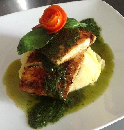 Artcafe : Fish fillet with homemade pesto sauce