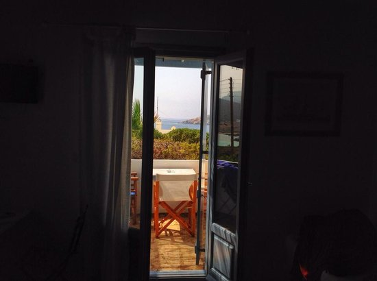 Oliaros Seaside Lodge : The view from room 1