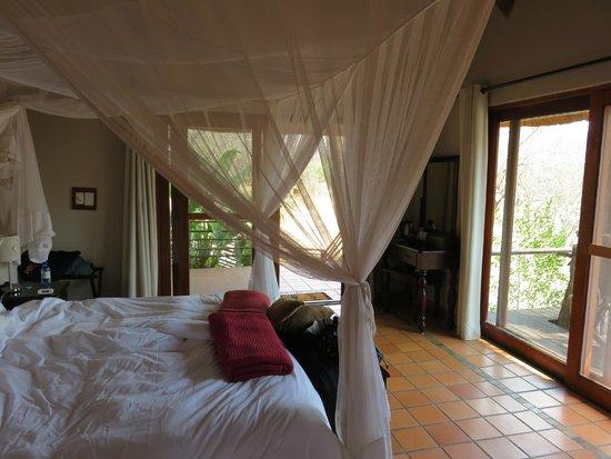 Toro Yaka Bush Lodge : Room Interior