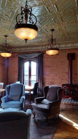Kaiser House Lodging: Breakfast eating room
