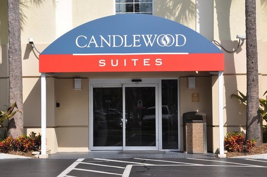 Candlewood Suites Ft. Lauderdale Air/Seaport: Front Door