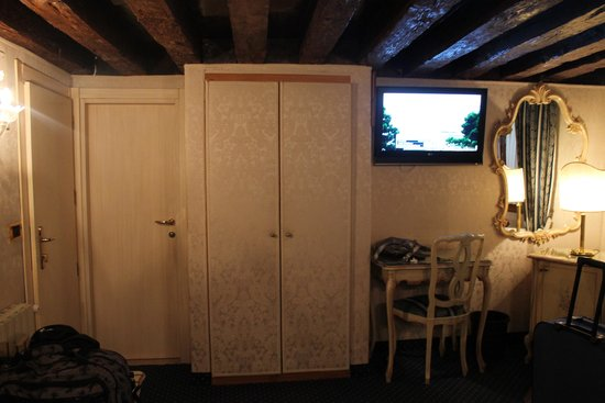 Hotel Castello: Triple room