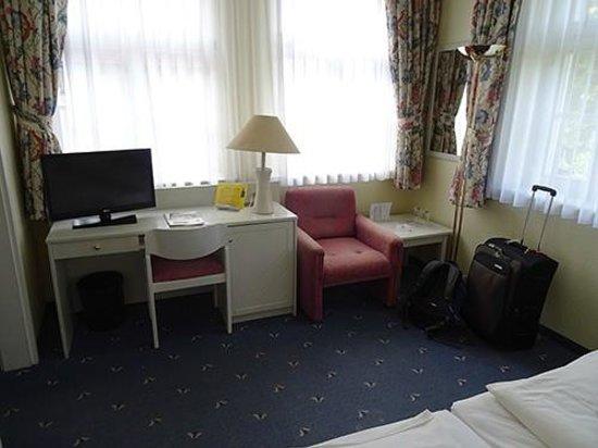 Schwarzwald Parkhotel: Inside the hotel room.