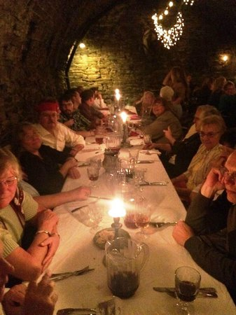Catacombs at Bube's Brewery: Pirate Feast
