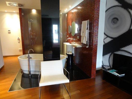 Eurostars BCN Design: ванная в номере