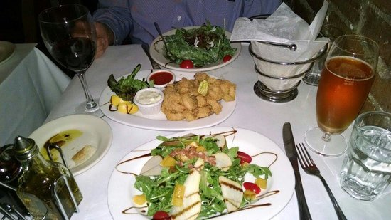 Trattoria Di Monica: A special Arugula salad with pear & orange, fried calamari with a great Aoli, and the spinach sa