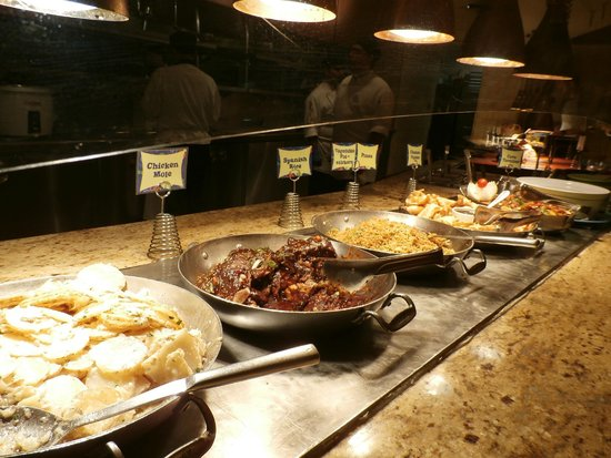 Dinner Buffet Picture Of Goofy S Kitchen Anaheim Tripadvisor