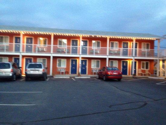 Cactus Tree Inn: Inn