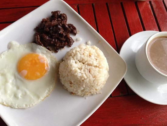 Gran Prix Boracay Hideaway: Tapsilog and coffee