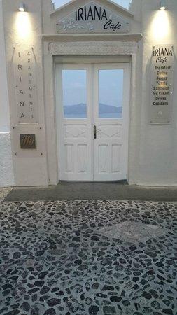 Iriana Rooms and Apartments: Entrance