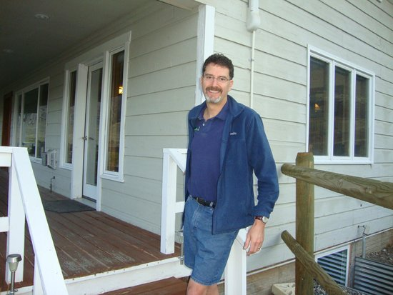 Yellowstone Basin Inn: Greg outside the eating hall