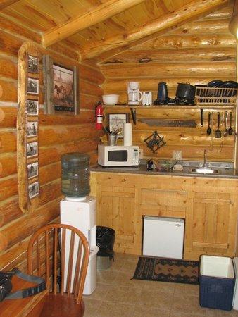 Rocky Ridge Outpost: Cabn Mini-Kitchen