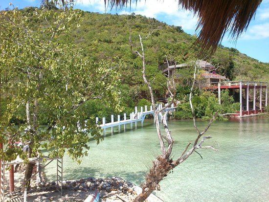 Coral Bay Beach & Dive Resort: 另一角度