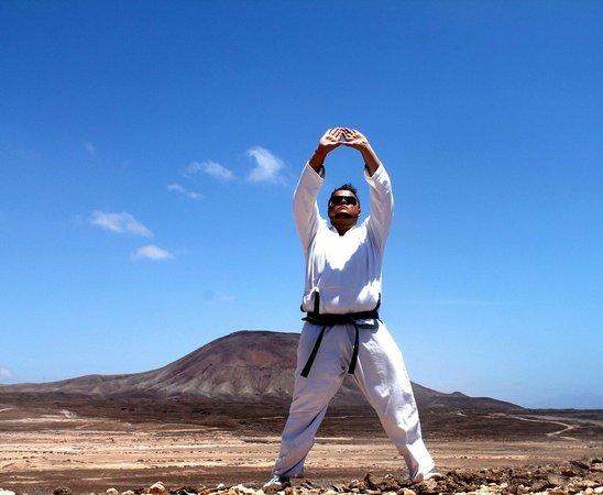 La Montaña Roja: Taekwondo in Corralejo