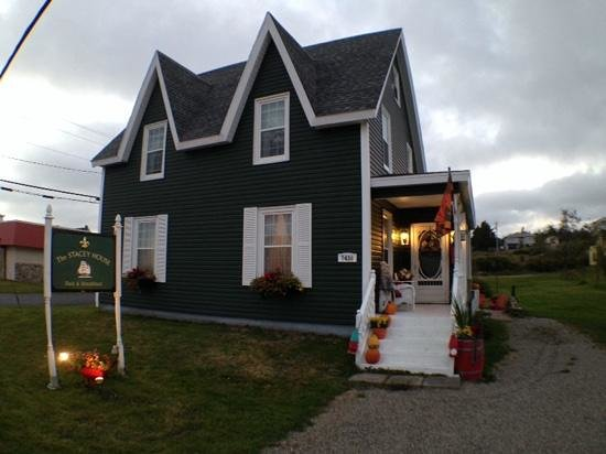 Stacey House B&B: Exterior View