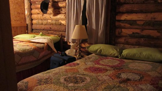 Last Frontier Lodge: our room