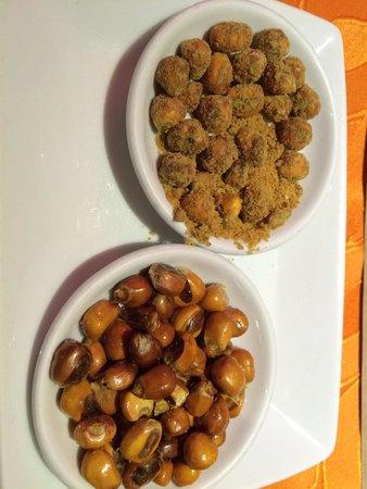 Hasta La Vuelta Señor: Maíz tostado salado y maíz tostado dulce, este último, llamado también, caca de perro. 😧