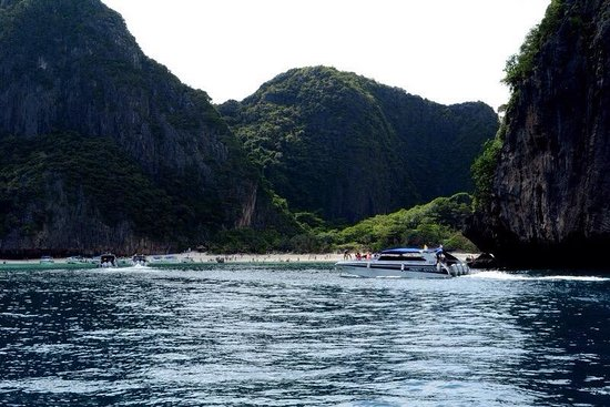Phi Phi Islands: Beautiful
