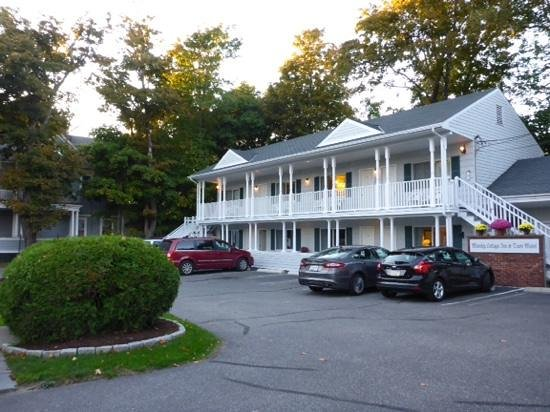 Moseley Cottage Inn and Town Motel: Mosely Cottage Inn