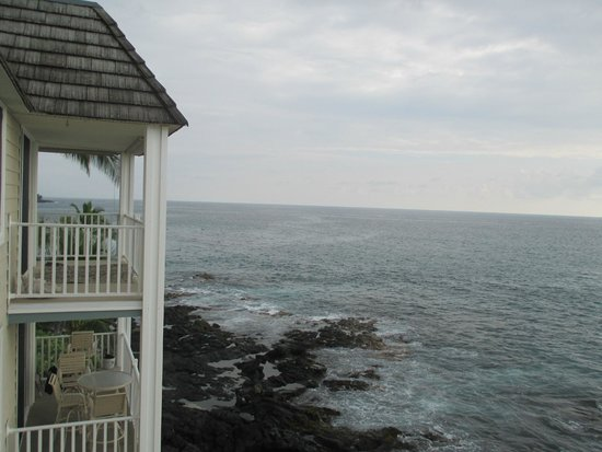 Hale Kona Kai Condominiums : View looking south from lanai of 402