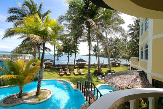 Paradise Bay Beach & Watersport Resort: Garden w/sea view