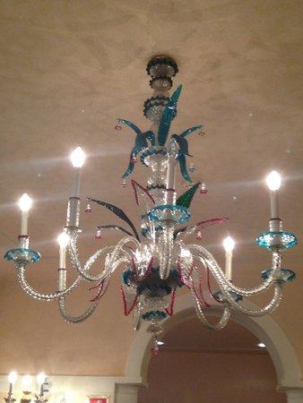 Bonvecchiati Hotel: Glass chandeliers