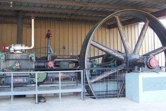 Denton Farm Park: Bates-Corliss Engine