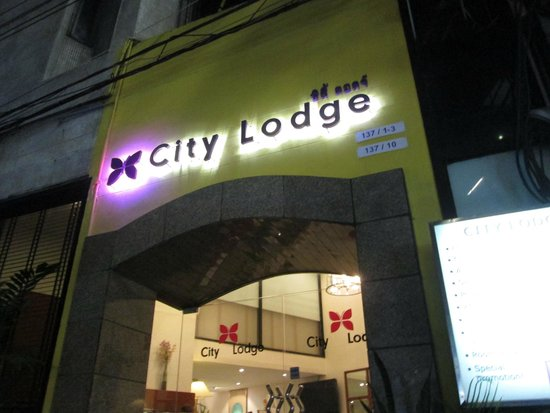 City Lodge Soi 9: 外観