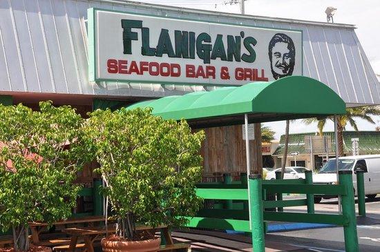 Flanigan's Seafood Bar & Grill: Flanigan's in Pompano Beach