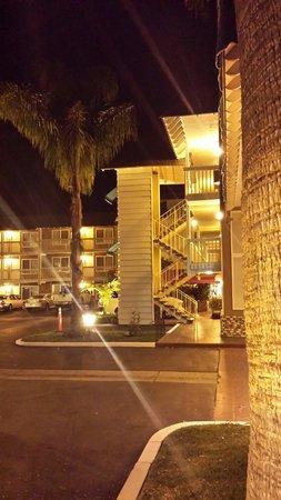 Ramada Costa Mesa/Newport Beach: Love this motel.